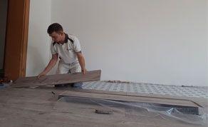 Fußbodenlegearbeiten