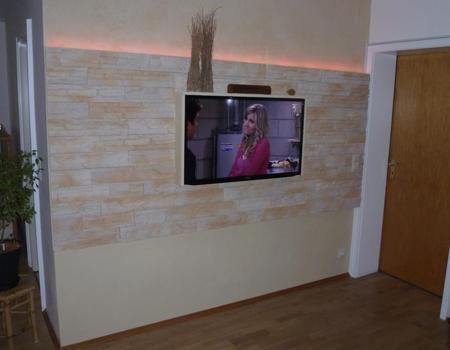 TV-Steinwand