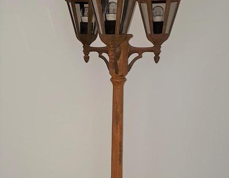 Lampe in Rostoptik